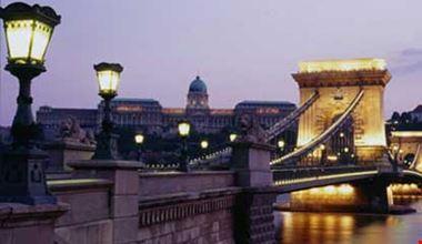 6688_budapest_ponte_delle_catene