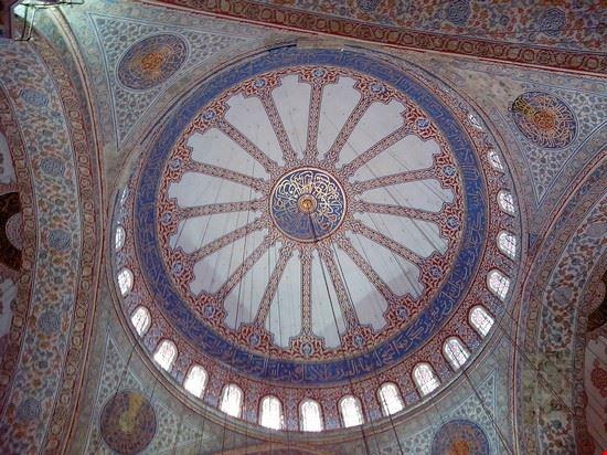 Foto Moschea Blu Interno A Istanbul 550x412 Autore