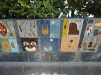 decorazioni musicali su muro ravello