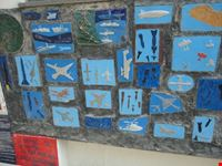 decorazioni di aerei su muro ravello