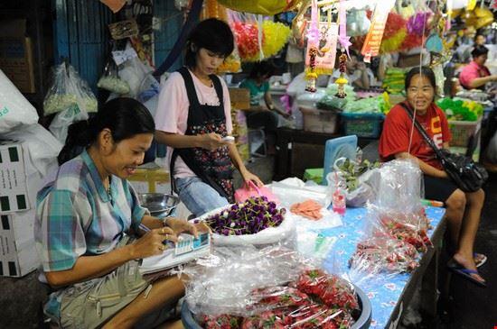 67998 bangkok mercato dei fiori pak khlong talat