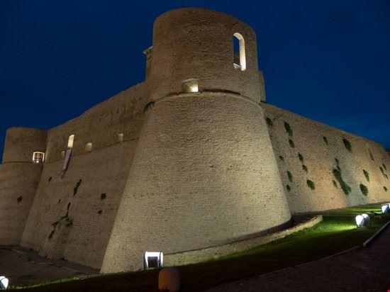 68230 ortona castello aragonese