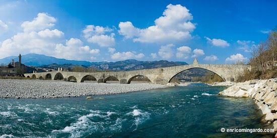 Foto ponte gobbo a bobbio 550x275 autore marianna di for Disegni di ponte a 2 livelli