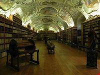 biblioteca del monastero di strahov praga