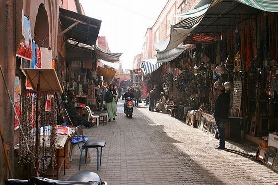 70208 marrakech souk