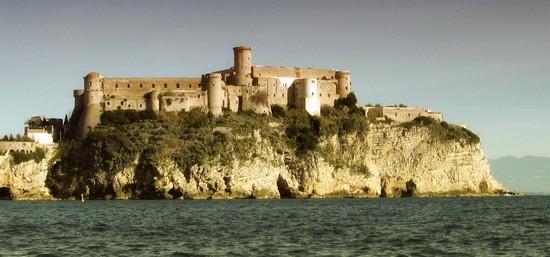 Foto Il Castello Angioino Aragonese A Gaeta 550x257