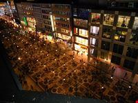 vita notturna sulle strade del divertimento e dello shopping francoforte