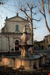 Piazza San Luigi fontana e basilica