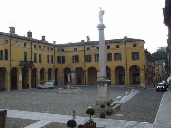 Piazza Ugo Dallo'