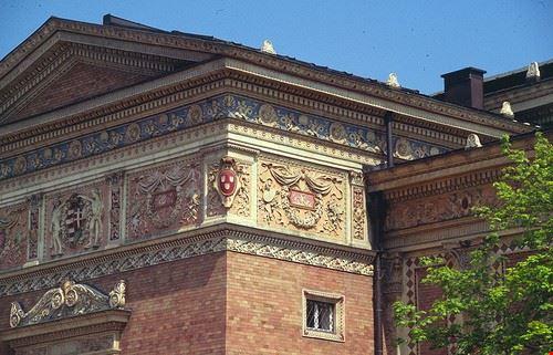 71368 budapest galleria d arte mucsarnok