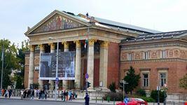 budapest galleria d arte mucsarnok