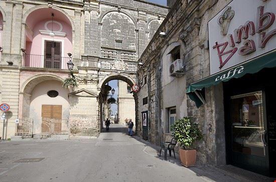 Piazza Principe Umberto - Castello