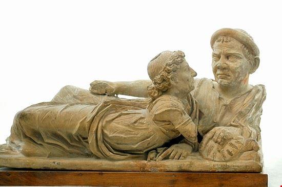 72230 volterra urna etrusca detta degli sposi