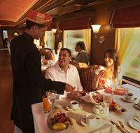 72389 agra maharajas express restaurant