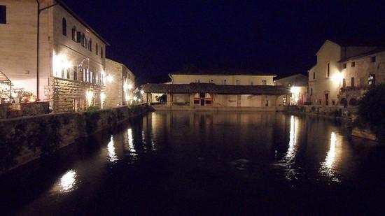 Bagno Vignoni, le terme di Santa Caterina a San Quirico d\'Orcia