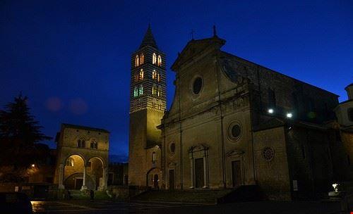 viterbo cattedrale san lorenzo