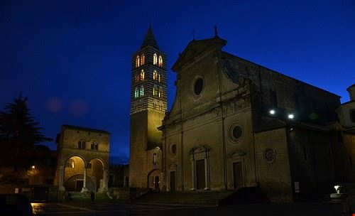 72588 viterbo cattedrale san lorenzo