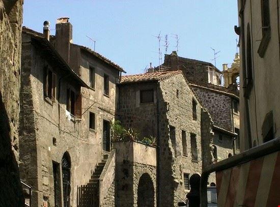 73048 viterbo quartiere medievale