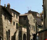 viterbo quartiere medievale