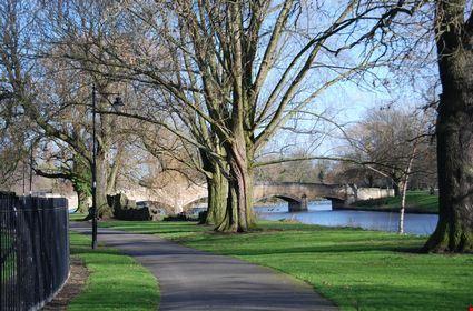 leicester abbey park