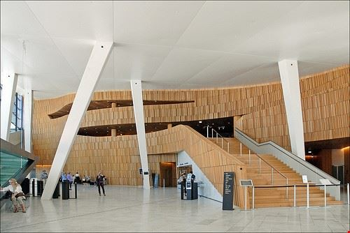 73858  opera house