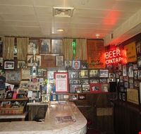 74154  billy goat tavern
