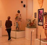 74251  museo de las fallas