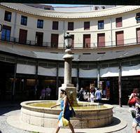 74299  mercato di plaza redonda