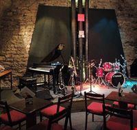 75040  jazzclub agharta