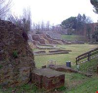 75102  anfiteatro romano