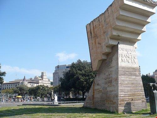 75527  plaza catalonia