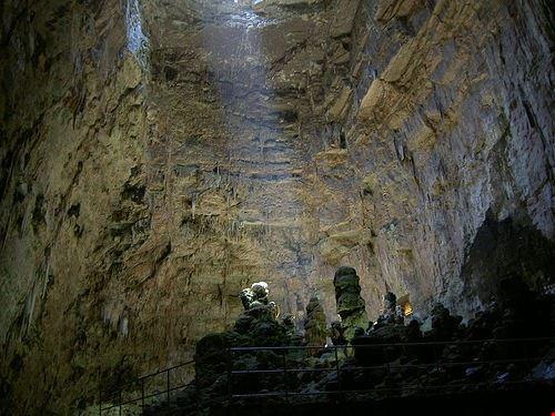 escursione nelle grotte