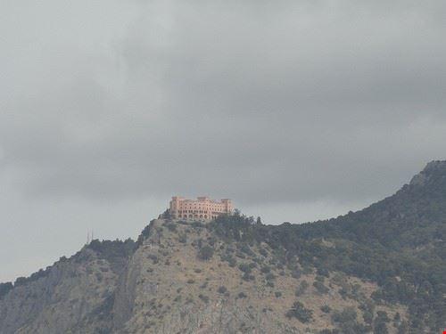 76854  castello utveggio