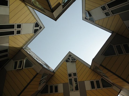 Foto case cubiche a rotterdam 550x412 autore for Cosa visitare a rotterdam