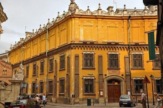 Czartoryskis Museum and library