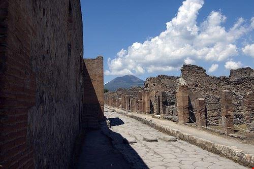 79000  pompei and ercolano