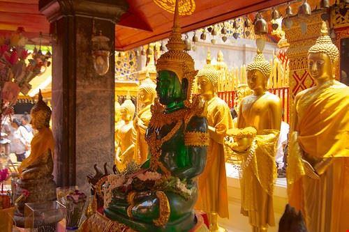 79294  temple of the emerald buddha