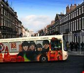 liverpool bus pubblico che esalta  liverpooll  capitale di cultura 2008