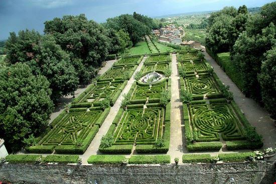 79612 viterbo castello ruspoli giardini
