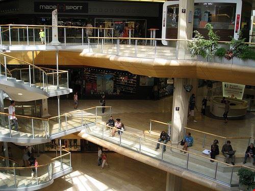 79630  part dieu shopping center