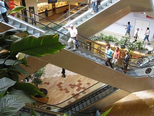 79631  part dieu shopping center