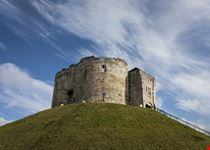 clifford s tower