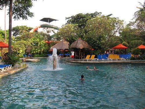 80477  waterbom park