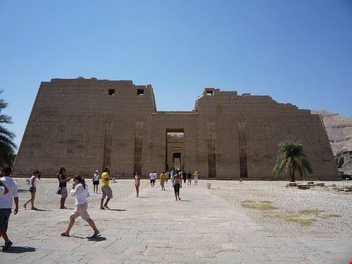 80618  iscrizioni rupestri