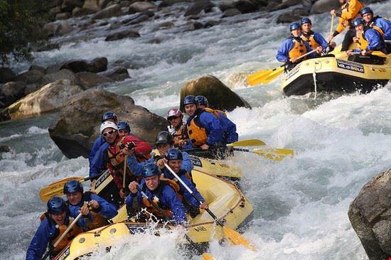 81010 male rafting sul torrente noce