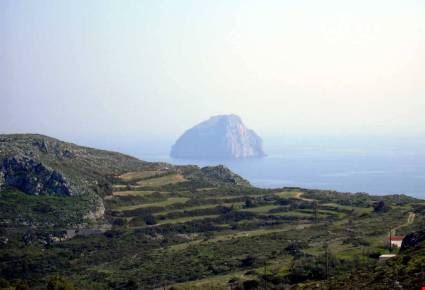 veduta di hitra sull'isola di kithira