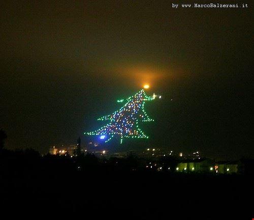 l albero di natale piu grande del mondo
