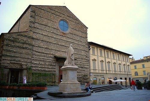 81240  affreschi della leggenda della vera croce