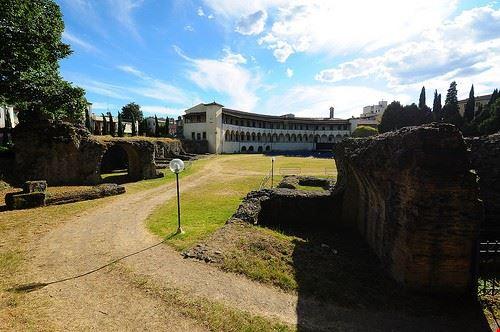 81268  anfiteatro romano