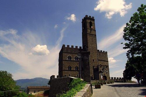 il castello dei conti guidi di poppi